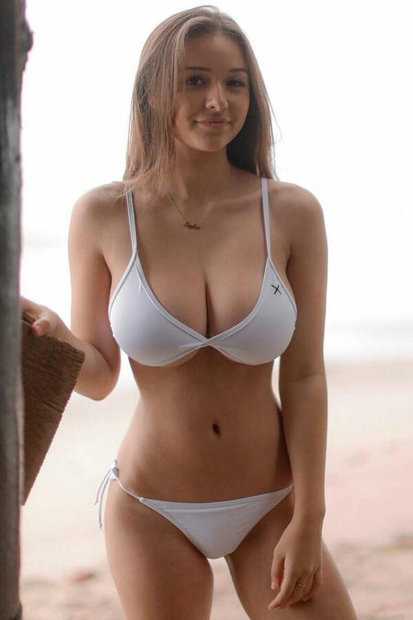 Incredible body!Sophie Mudd