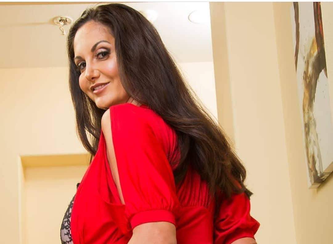 Ava Addams, A Sexy And Busty Mature Beauty