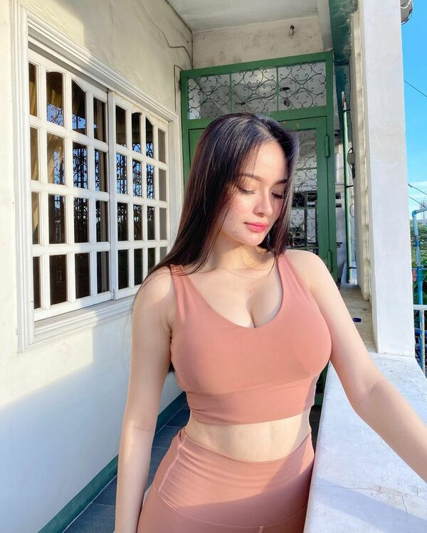 Yvonne Jane, a gorgeous beauty from Philippines