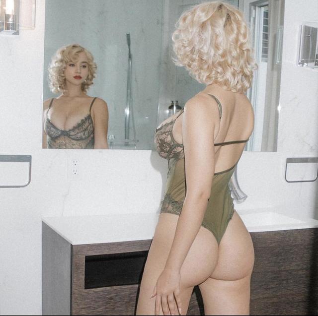Caylee Cowan, Sexy American Film Actress