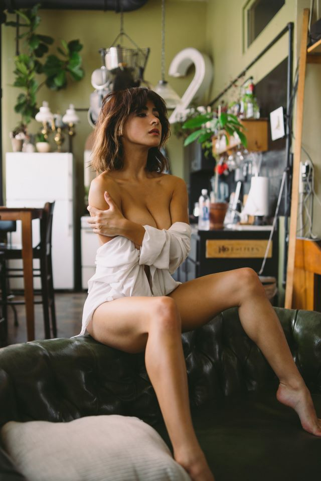 Mia Valentine, Latina World Traveling Model