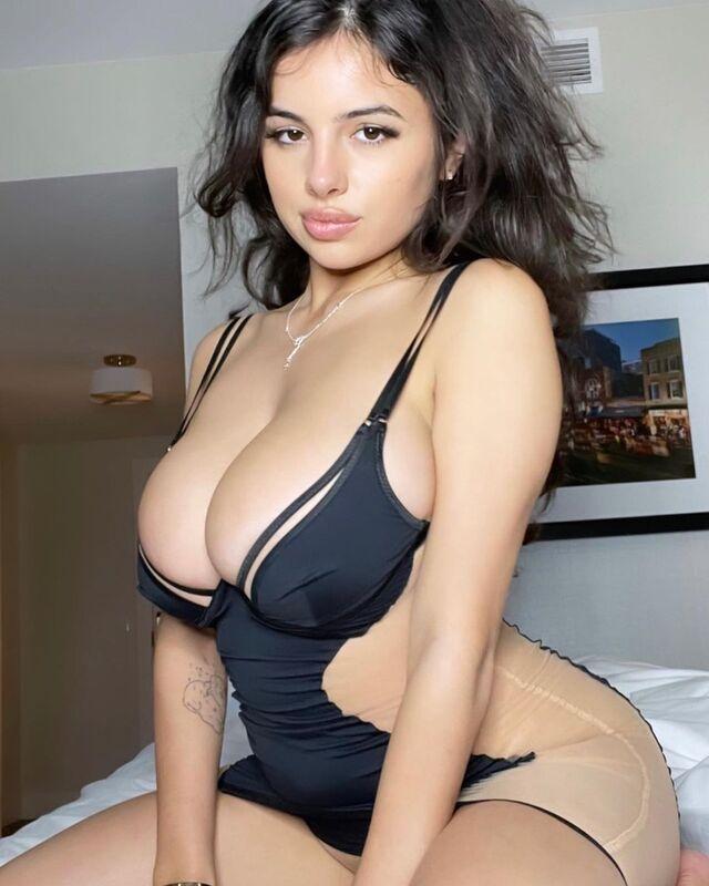 Mati Marroni, A Big Tits Model From U.S.
