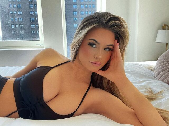 Emily Elizabeth, sexy and fashion model from the United States of America