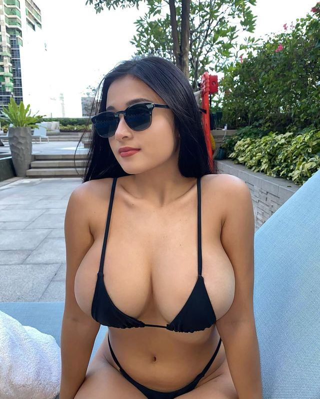 Mar-Anne Almosa, Hot Filipino Instagram model