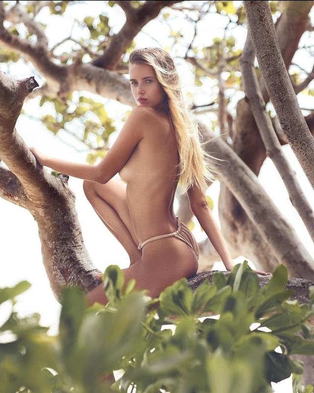 Polina, Sexy Bikini Model from Russia