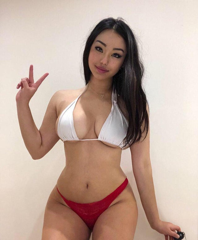 Bellagloover, A Petite Asian Colleage Girl