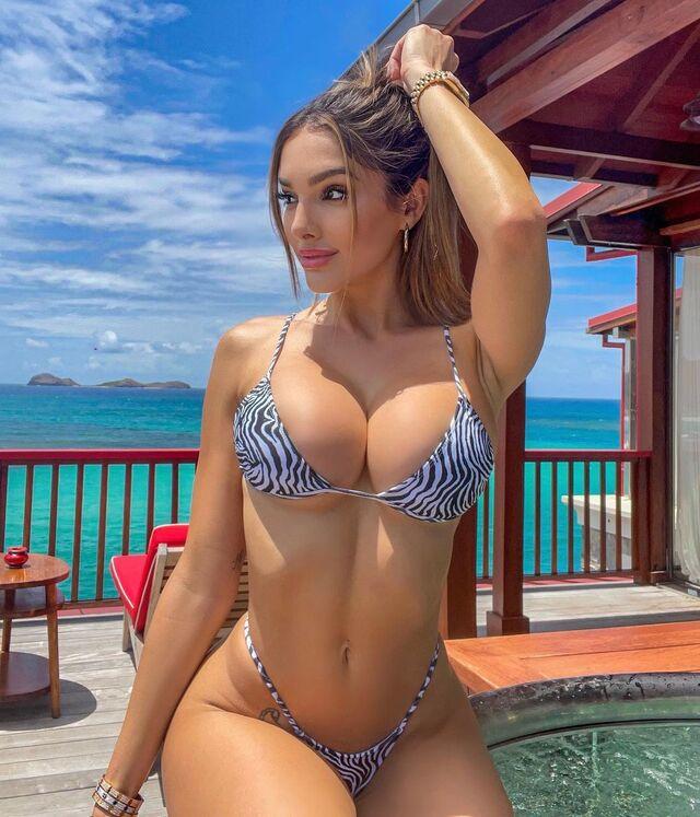 Lyna Perez, Stunning Playboy Model From U.S.