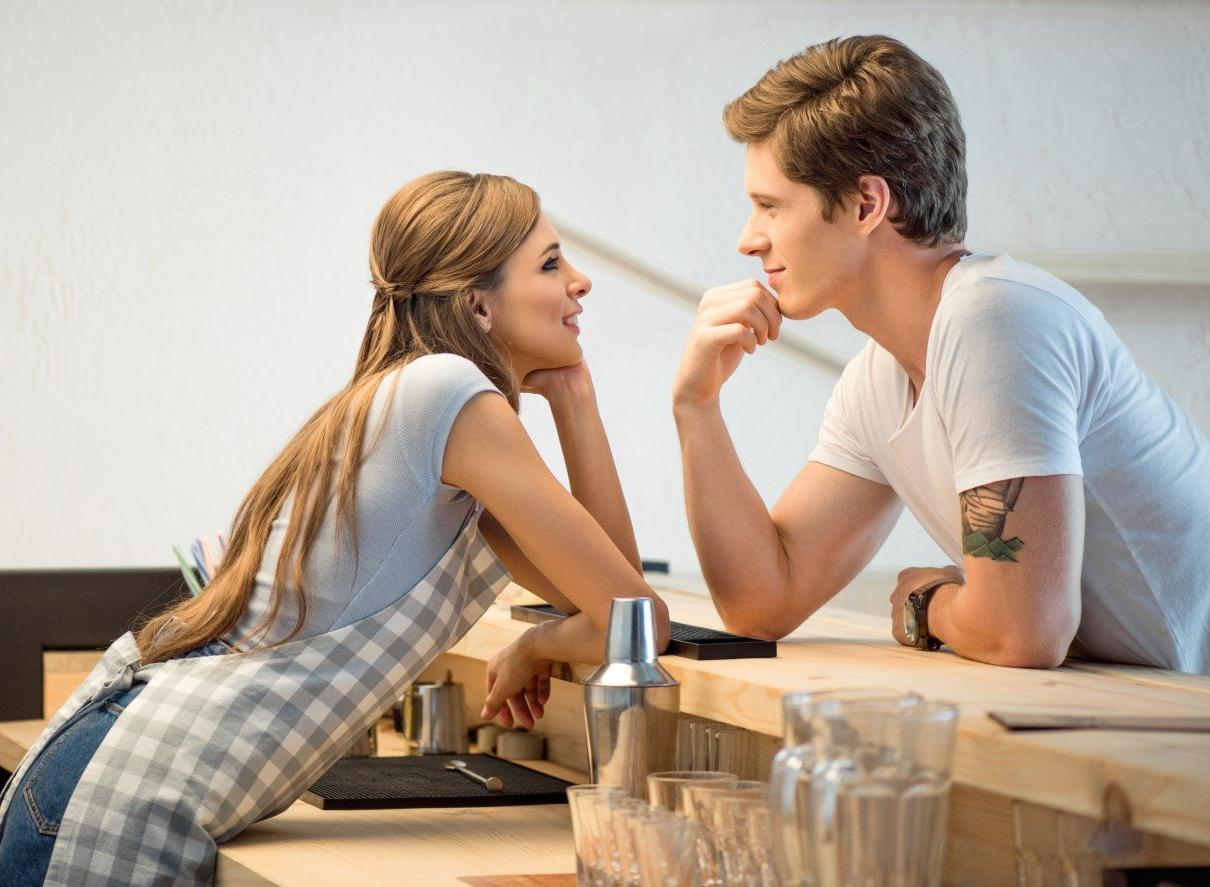 Is Flirting Cheating? Three Times When It's Not