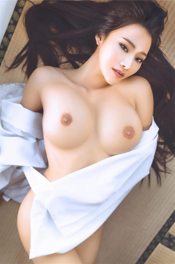 Taiwanese Sexy Model Who Has Super Hot Body