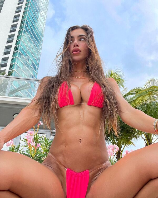 Anllela Sagra - A sexy Colombian fitness models