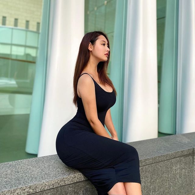 Rossy, Busty and Thick Model From Korean