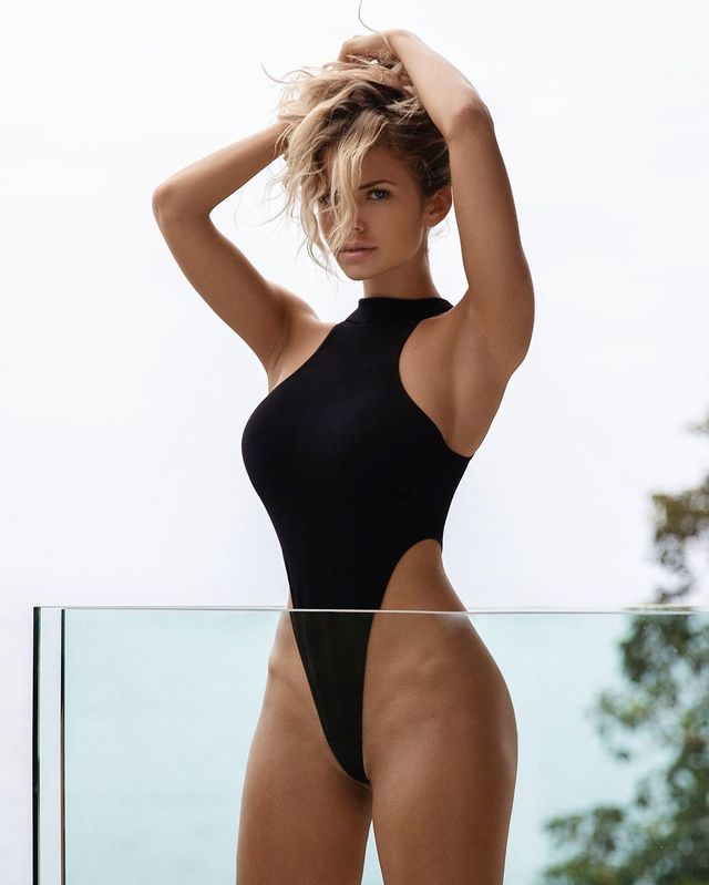 "Nata Lee, ""World""s Hottest DJ and Stunning Model"