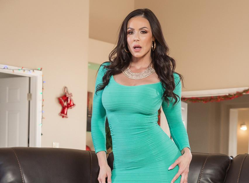 Kendra Lust, Thick Mature MILF From U.S.