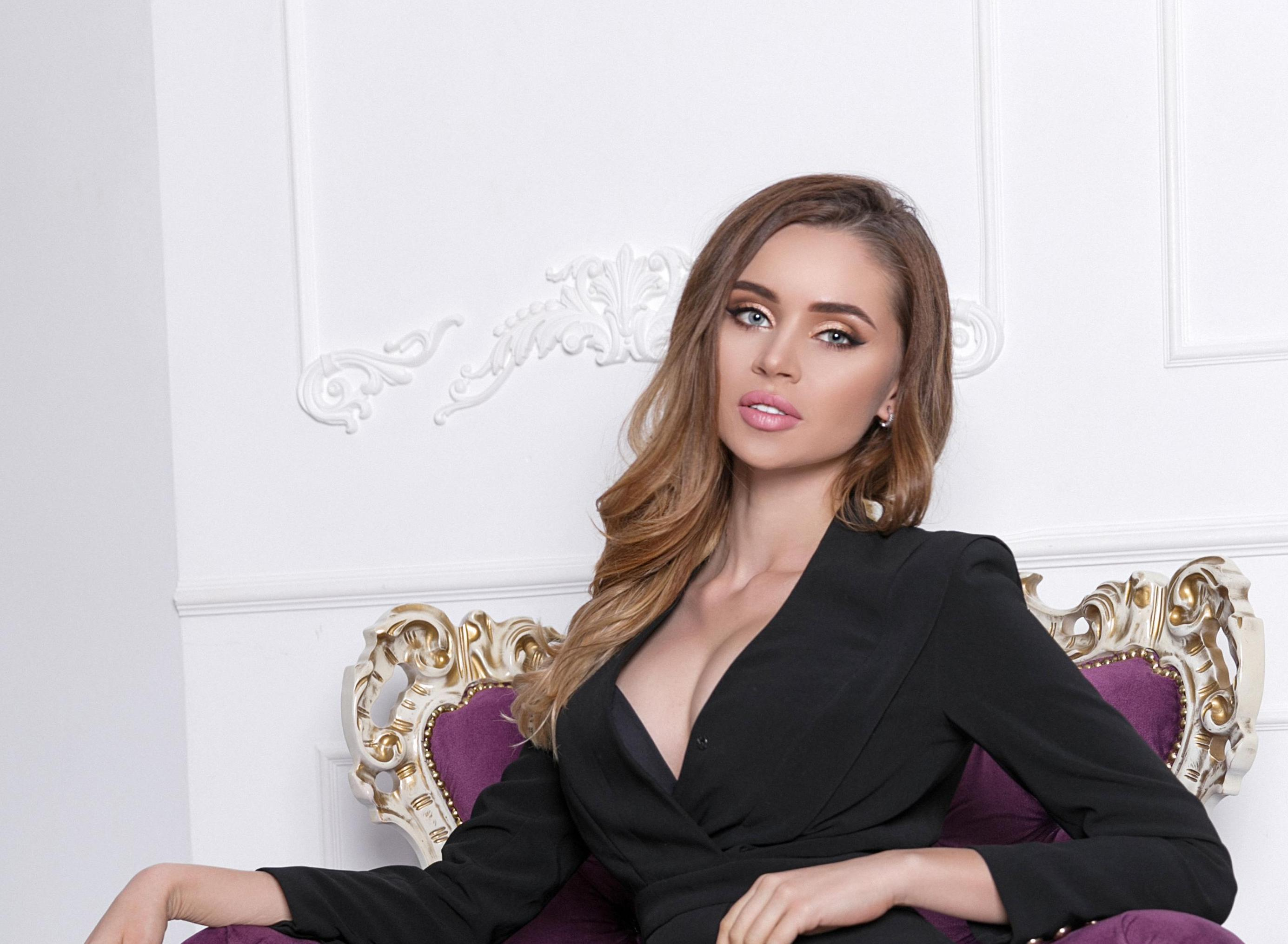 So SEXY in SUITS? These ladies are amazing!