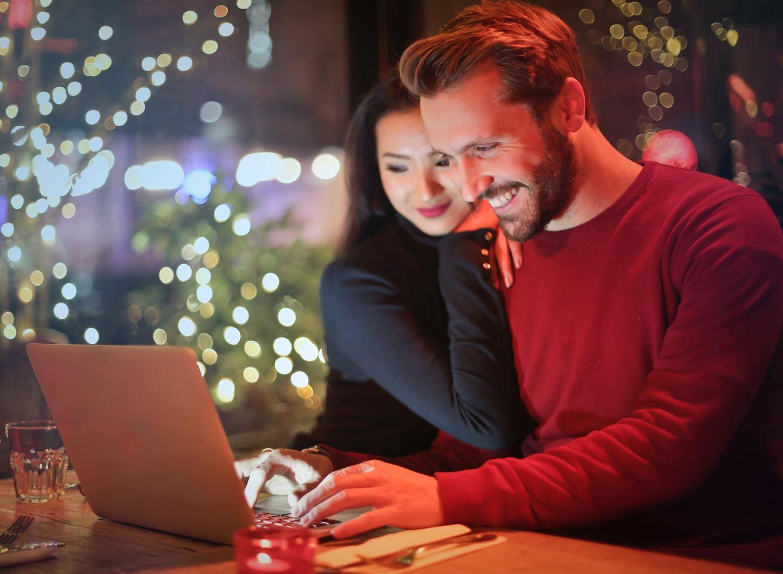 Useful Skills to Talk to Women Online